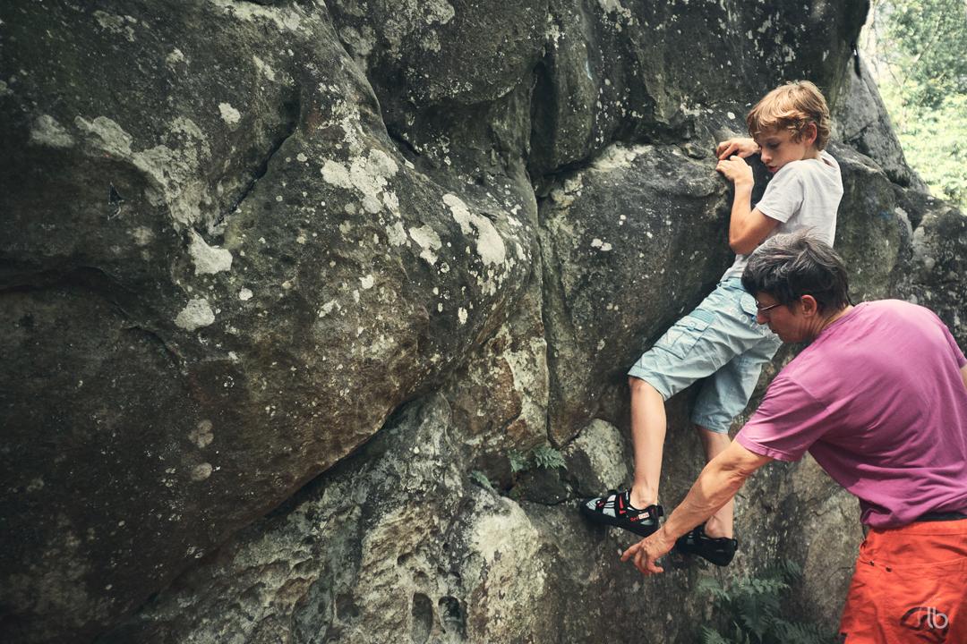 Escalade à Auvernaux, près de Fontainebleau par Laurence Bichon