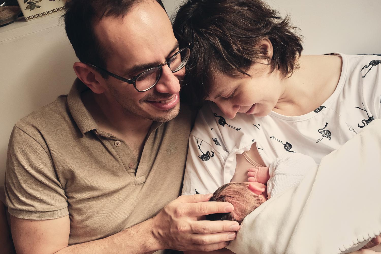 Reportage autour de la naissance de bébé par laurence bichon photographe
