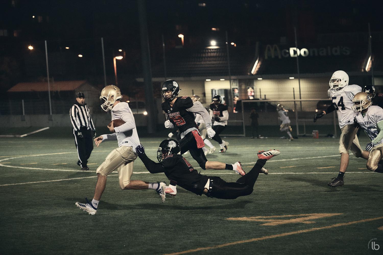 Football americain junior - molosses face aux quarks - laurence bichon photographe