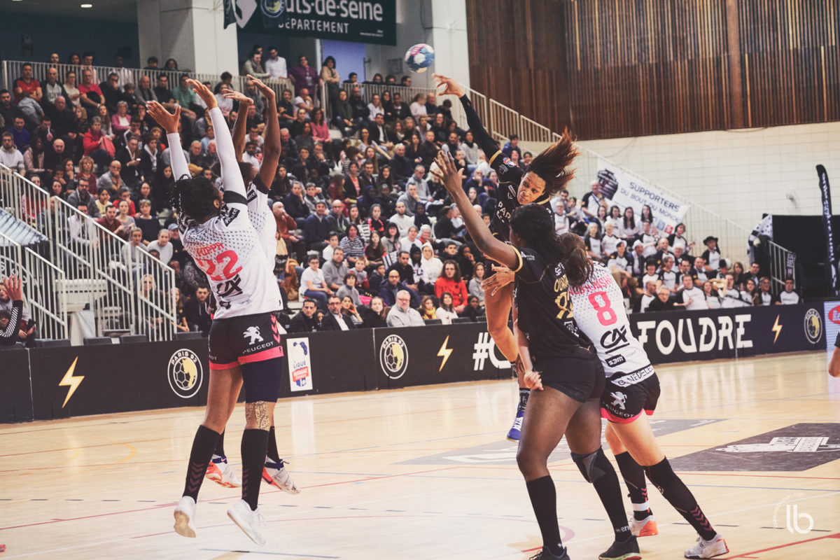 handball lfh - paris92 - brest - laurence bichon photographe de sport feminin